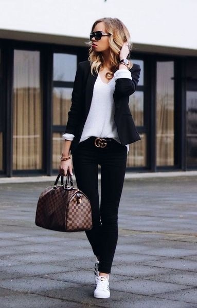 Outfit Kantor